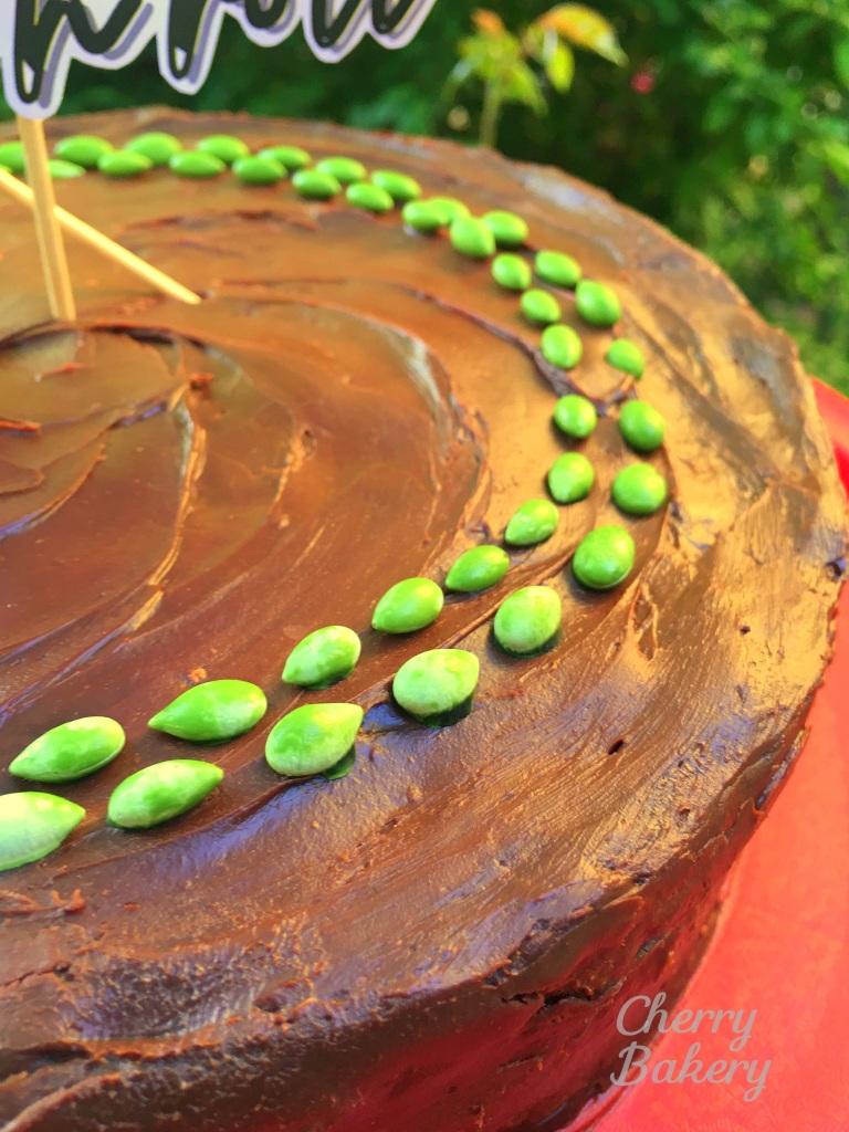 """Крем за торта """"Гараш"""" - богат, плътен и много шоколадов."""